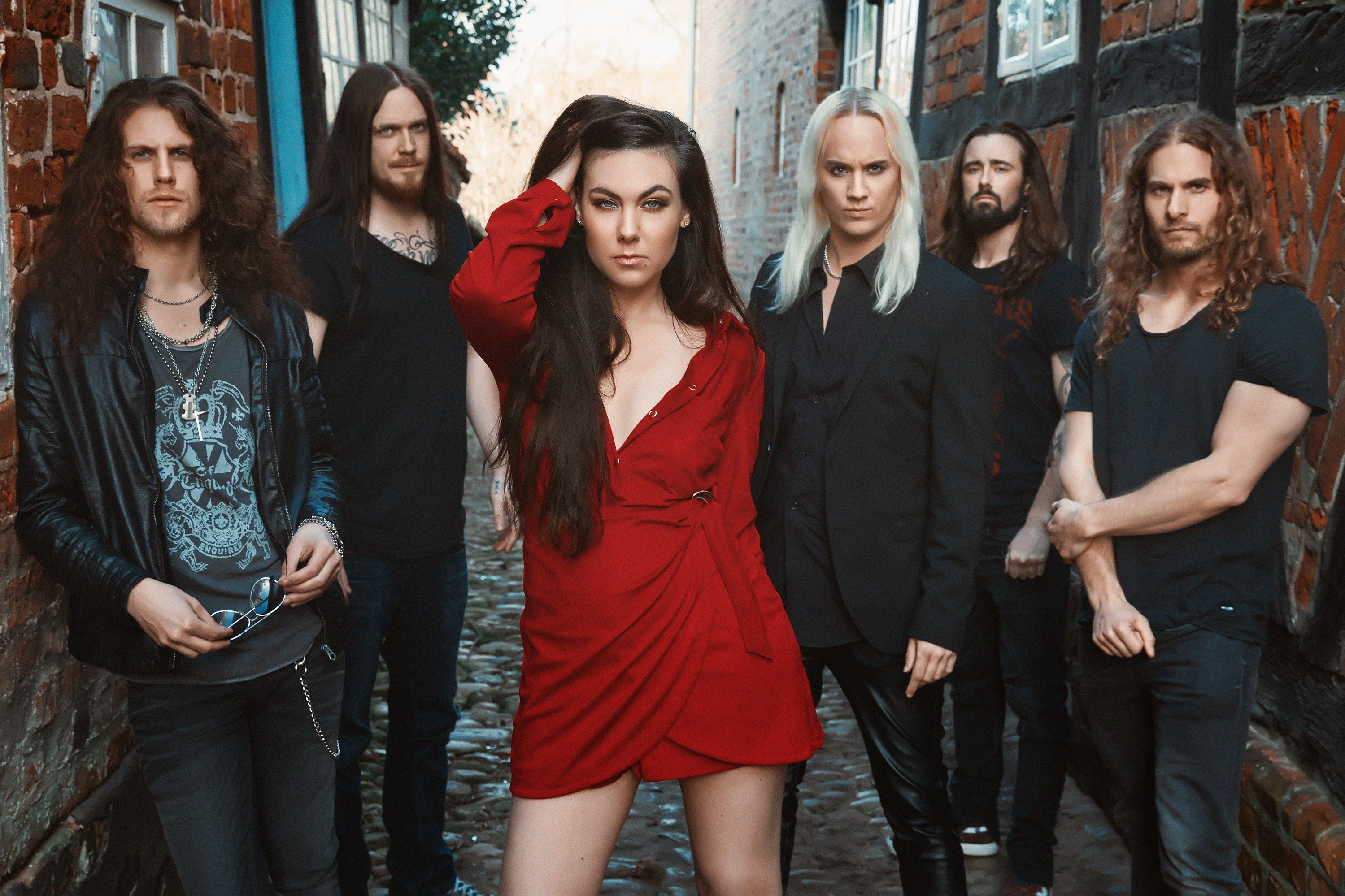 """We wanted more intensity…"" - hmv.com talks to Swedish metallers Amaranthe"