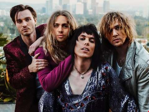 """We felt it was very important that whatever we did in this time and space was its own entity..."" - hmv.com talks to The Struts"
