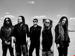 """You listen to the record from top to bottom and you're kind of emotionally drained, in a good way..."" - hmv.com talks to Korn"