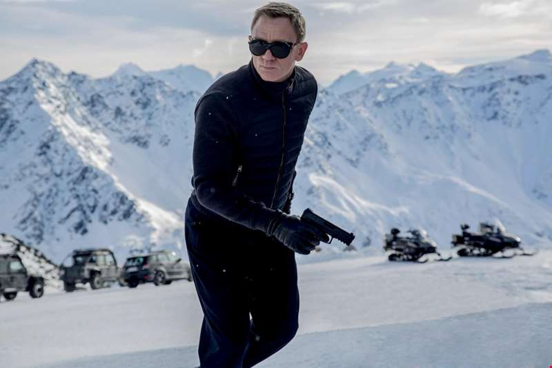 Reports link Daniel Craig with directing the next James Bond movie