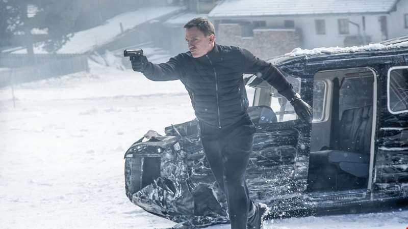 Get a first official look at Daniel Craig in new Bond outing No Time To Die