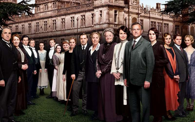 Sweeping full trailer for Downton Abbey movie debuts online