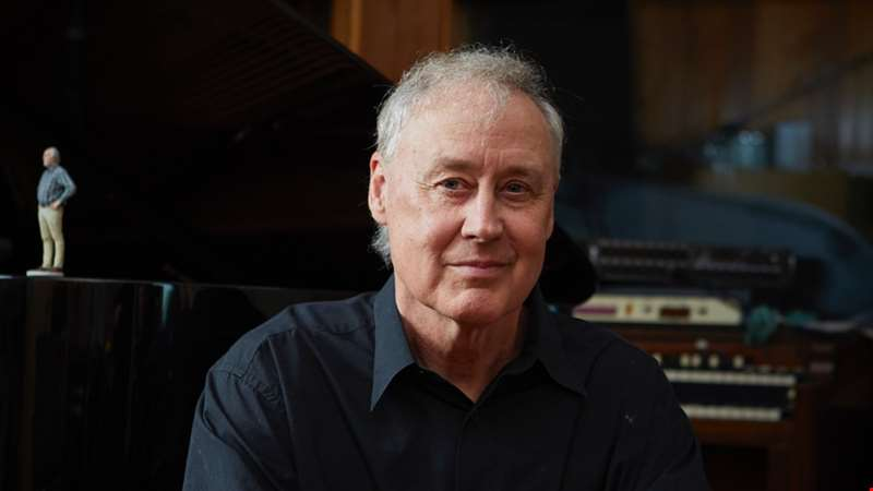 """Nina Simone said that the job of an artist is to reflect the times in which they live. I feel like that's the job I'm doing here..."" - hmv.com talks to Bruce Hornsby"